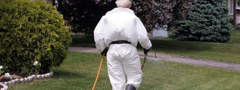 lawn care expert do hydroseeding
