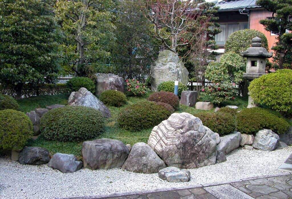 rock gardens for front yard landscaping